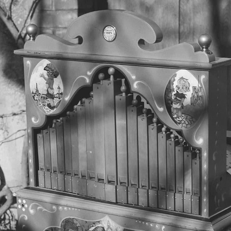 Spectacle chansons avec orgue de Barbarie